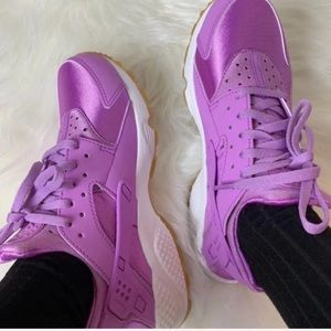 Nike Huarache Run Women's 7.5 New